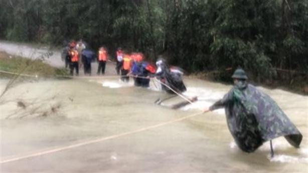 Lở thủy điện Rào Trăng 3: Dốc toàn lực cứu hộ