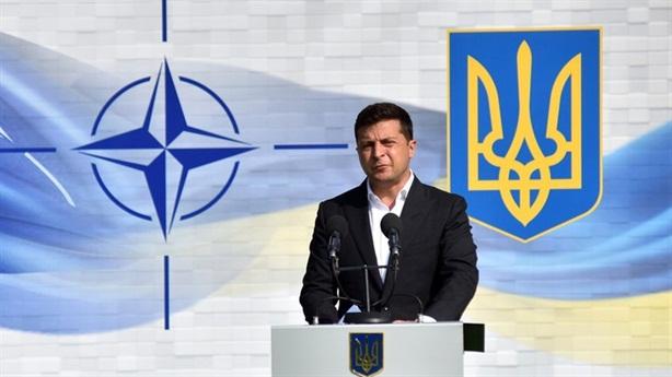 Ông Zelensky hứa từ chức nếu không có hòa bình Donbass