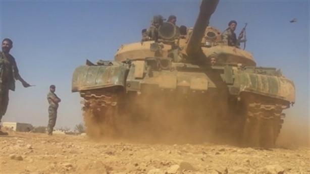 Nga đánh bật Mỹ khỏi Tây Syria bằng cuộc tấn công mạnh