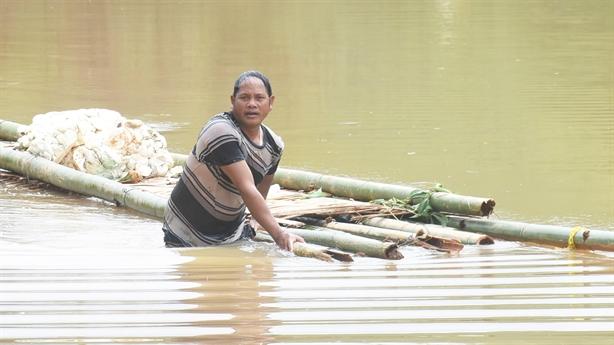 Thủy điện tích nước gây ngập nhà dân: 'Không cố tình'