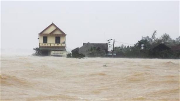 2% đoàn cứu trợ ở Hà Tĩnh hiểu người dân cần gì?