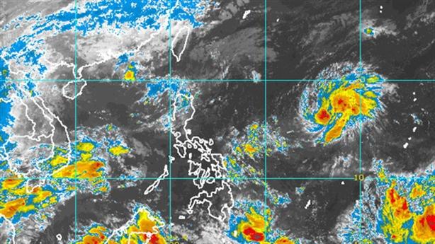 Siêu bão cấp 17 tiến vào biển Đông: Nỗi lo miền Trung