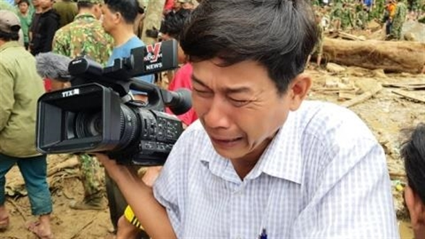 Phút lặng người trước những đứa trẻ ở Trà Leng