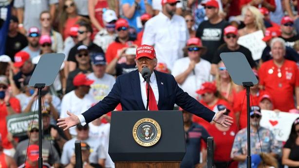 Ông Trump thách thức tất cả các thăm dò