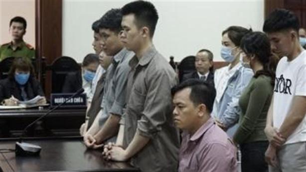 Phúc Xo bị teo cơ chân, giảm án còn 10 năm tù
