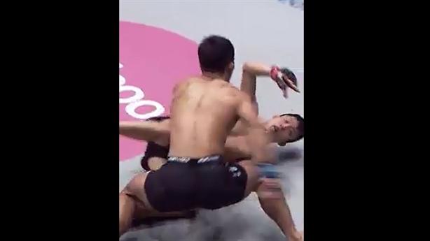 Võ sĩ Nhật hạ knock-out đối thủ bằng đòn siêu nhanh