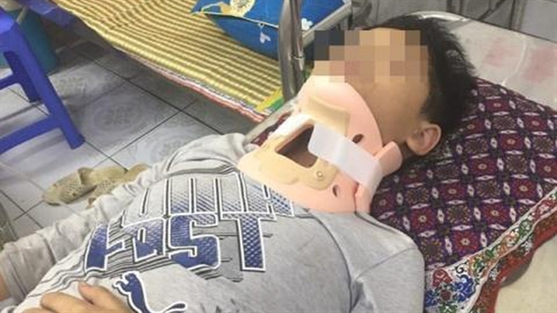 Vụ bé lớp 4 bị đánh nhập viện: 'Không làm căng thẳng'
