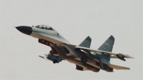 Trung Quốc khoe tên lửa chống radar giống AGM-88 HARM của Mỹ