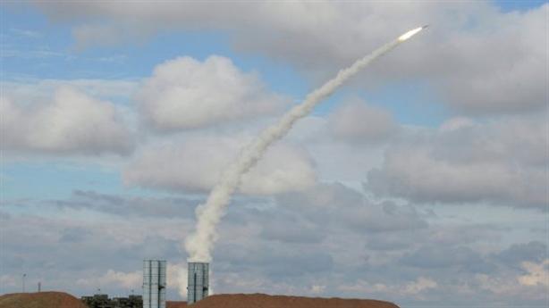 S-400 có trợ thủ đối phó với tàng hình xa 600km