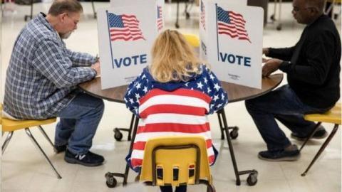 Ông Trump cố chứng minh hệ thống bầu cử Mỹ lỗi thời