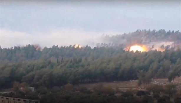 Su-30SM dùng bom dẫn đường san phẳng căn cứ phiến quân