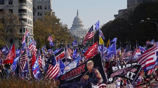 Biểu tình vì bầu cử Mỹ: Ông Trump thấy ấm lòng