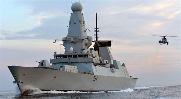 Khu trục hạm của Anh bất lực trước S-400?