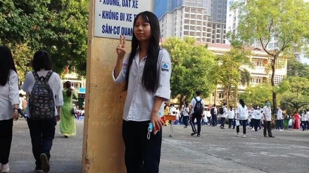 Nữ sinh lớp 12 ở Hà Nội mất tích: 'Có bạn...'