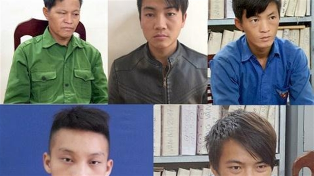 5 cha con sát hại 2 hàng xóm: Bịt đầu mối
