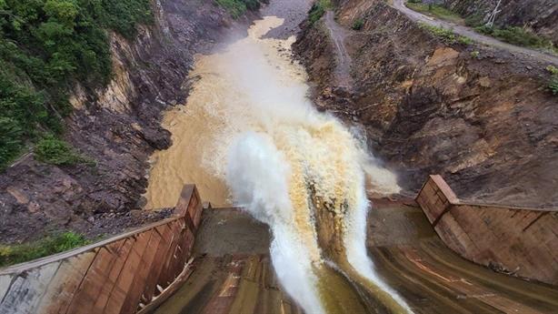 Thủy điện Thượng Nhật trái lệnh vẫn tích nước: Xử thật nghiêm!