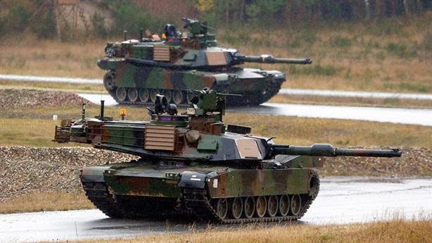 Mỹ bắt đầu giảm xe tăng