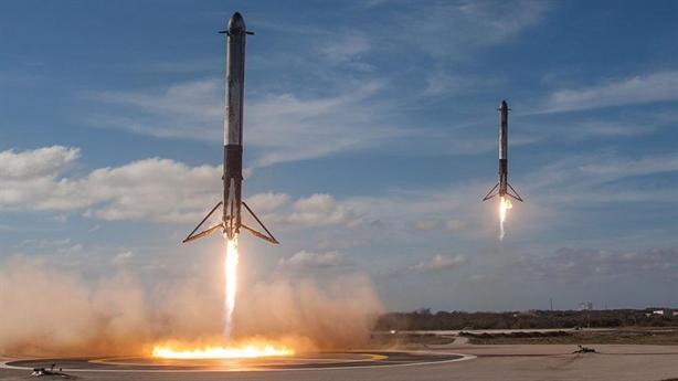 Mỹ có đủ tiền để dùng tên lửa chuyển hàng?