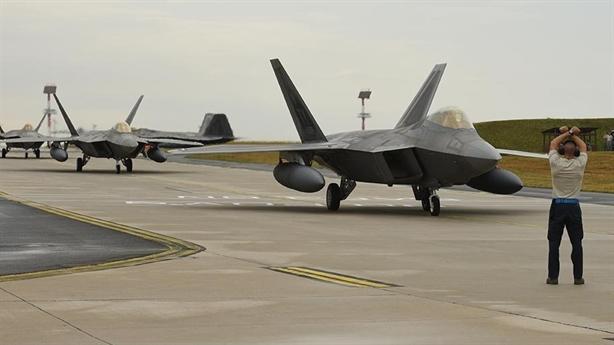 Mỹ chuyển cả đội bay tàng hình đến Guam