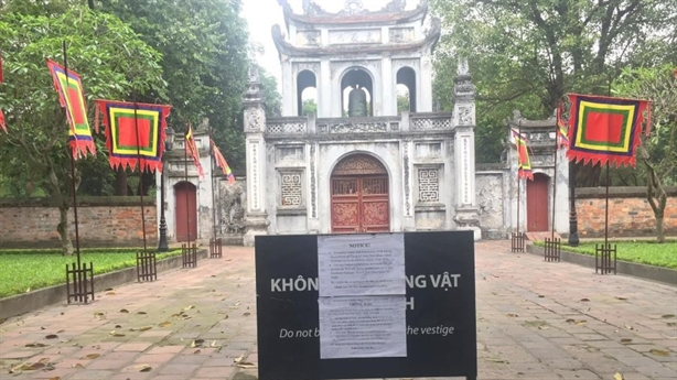 Du lịch Việt mất 23 tỷ USD: Nỗi buồn 'bệnh thành tích'