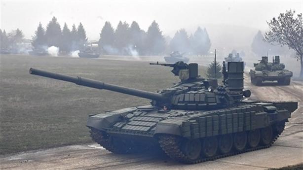 Sĩ quan Serbia so sánh ưu nhược điểm T-72MS Nga với M-84