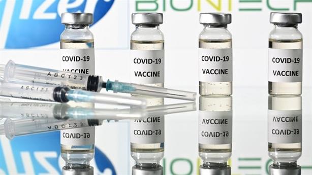 Nga bắt đầu tiêm chủng vaccine chống Covid-19 đại trà