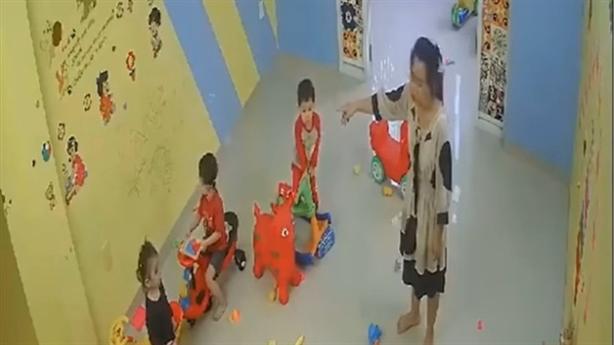 Hiệu trưởng thừa nhận đánh 4 trẻ: Lâm vào lối mòn