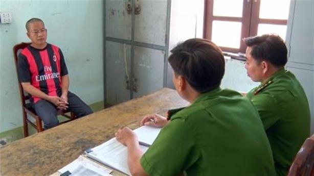 Nữ sinh tự tử khi gặp thầy: Lấy cớ dạy gặp nhau