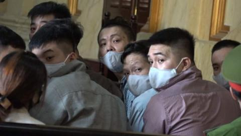 Đồng phạm Tuấn khỉ hầu tòa: Đam mê 'hàng nóng'