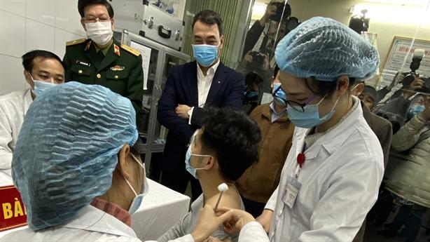3 người tiêm thử nghiệm vaccine Covid-19 của Việt Nam