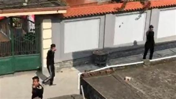 Chặn xe chở rác, côn đồ kéo đến nhà truy sát