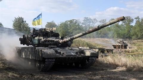 Kiev thừa nhận không thể chiếm Donbass bằng giải pháp quân sự