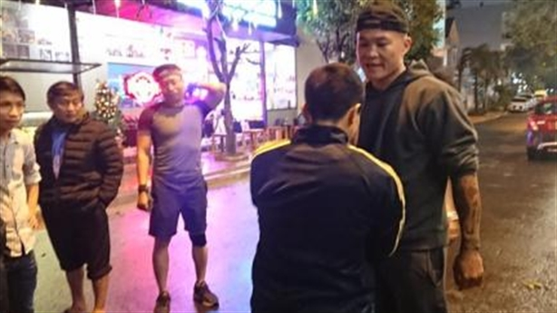 Võ sĩ boxing vô địch hạng siêu trung châu Á bắt trộm