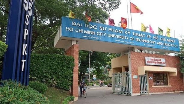 Trường đại học ở TP.HCM thưởng Tết cao nhất 70 triệu đồng