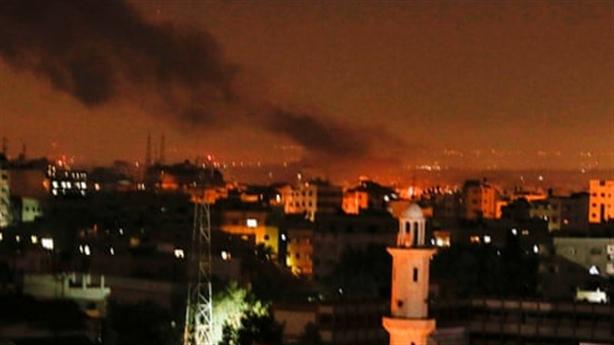 Israel tấn công tên lửa, giáng đòn thù