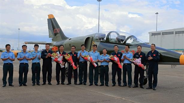Việt Nam bay thử chiến đấu cơ sau nâng cấp