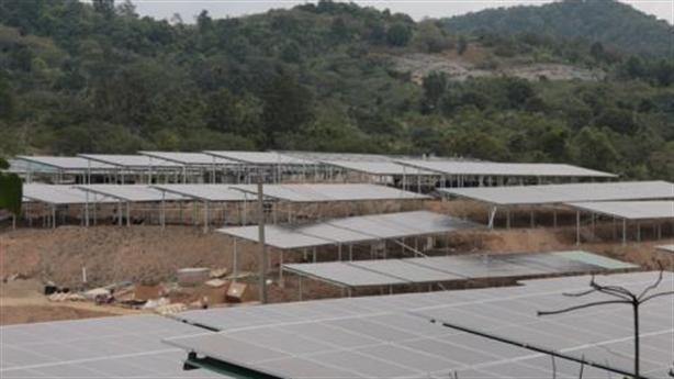 Đội lốt dự án nông nghiệp làm điện mặt trời