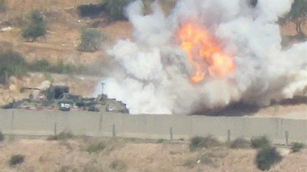 Phiến quân thân Thổ nã tên lửa vào xe quân cảnh Nga