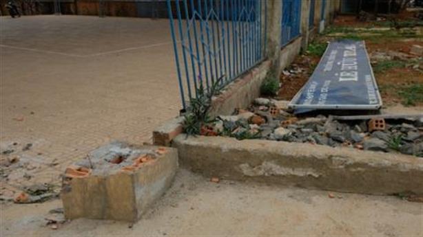 Cổng trường đè chết học sinh ở Đắk Nông: Không cốt thép
