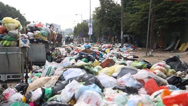 Hà Nội thanh tra công ty trúng 6 gói thầu vệ sinh