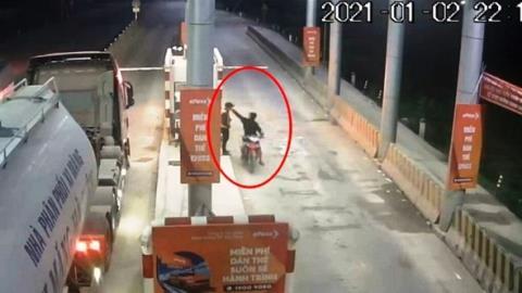 Đâm gục nhân viên trạm BOT Ninh Xuân: Nghi ngờ khác