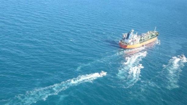 Iran bắt một tàu hóa chất tại Vịnh Ba Tư