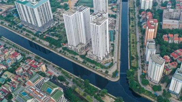 Lấy nước sông Hồng làm sạch sông Tô Lịch: Vẫn băn khoăn