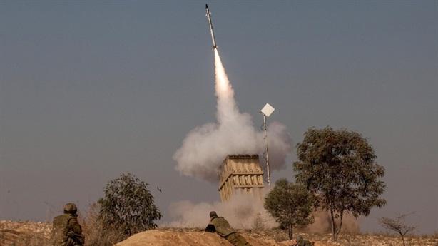 Israel dùng Iron Dome đối phó tên lửa ngàn km