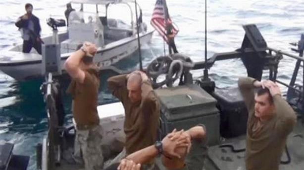 Iran dùng 700 tàu chiến kỷ niệm ngày bắt tàu Mỹ