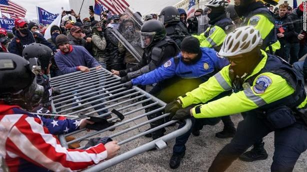 Người Mỹ chia rẽ, lo bạo loạn ngày ông Biden nhậm chức
