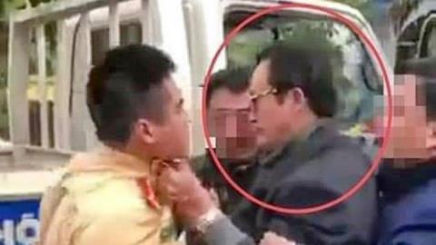 Chi Cục trưởng túm cổ áo CSGT: Phạt tiền đã xong?