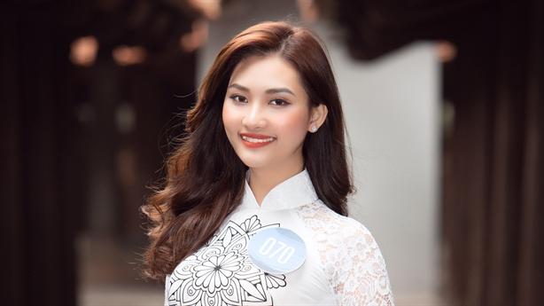 Cận cảnh nhan sắc Á khôi 1 Nguyễn Trần Vân Đình