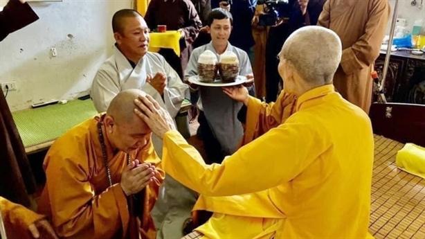 Đại gia tìm tới cửa Phật: Khi chưa buông hết việc đời...
