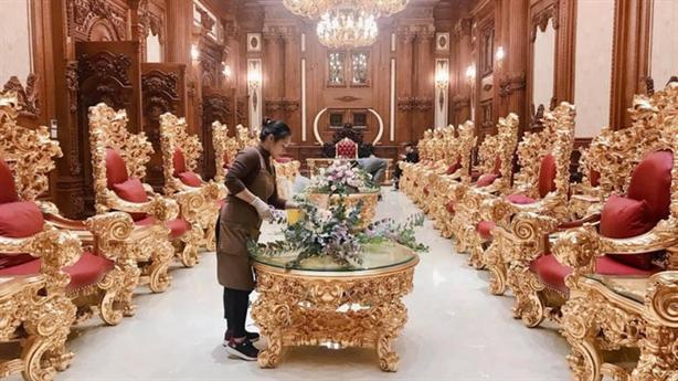 Đám cưới khủng trong lâu đài dát vàng của đại gia nào?